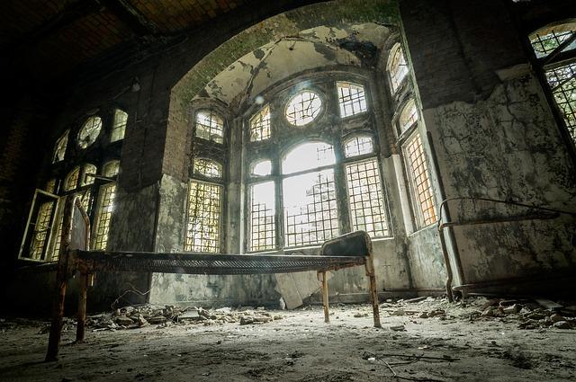 zničený klášter