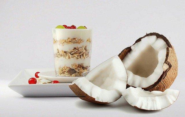kokosový ořech a smoothie